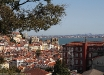 Vista di Lisbona dal punto panoramico Miradouro S.Pedro de Alcântara.