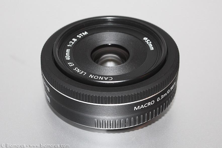 Le caratteristiche costruttive del Canon 40mm f/2.8 STM, in termini di materiali e design, sono di alto livello.