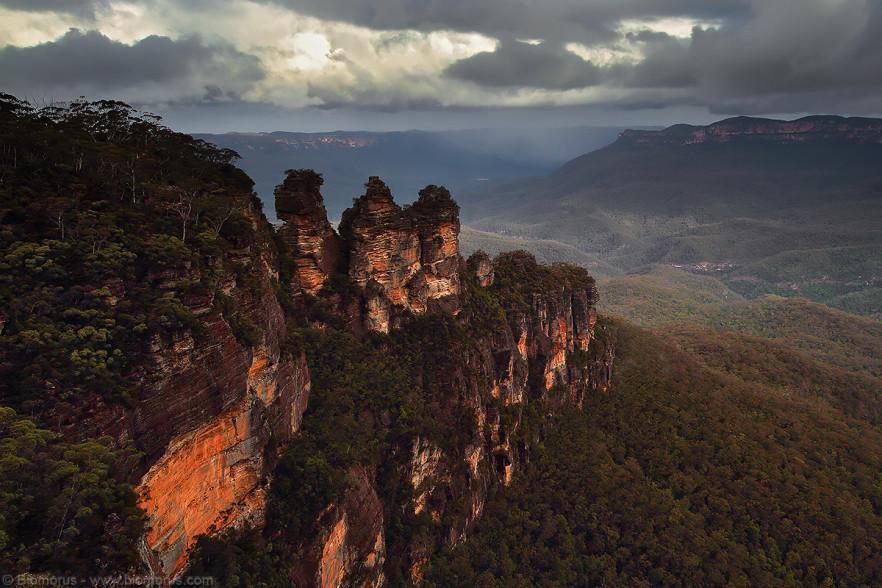 Foto 30 - Le Tre Sorelle (Three Sisters) (Blue Mountains, NSW, Australia) - (Dati di scatto: Canon EOS 7D, Sigma 8-16 f/4.5/5.6 DC HSM, 1/100 sec, f/11, ISO 100, mano libera)