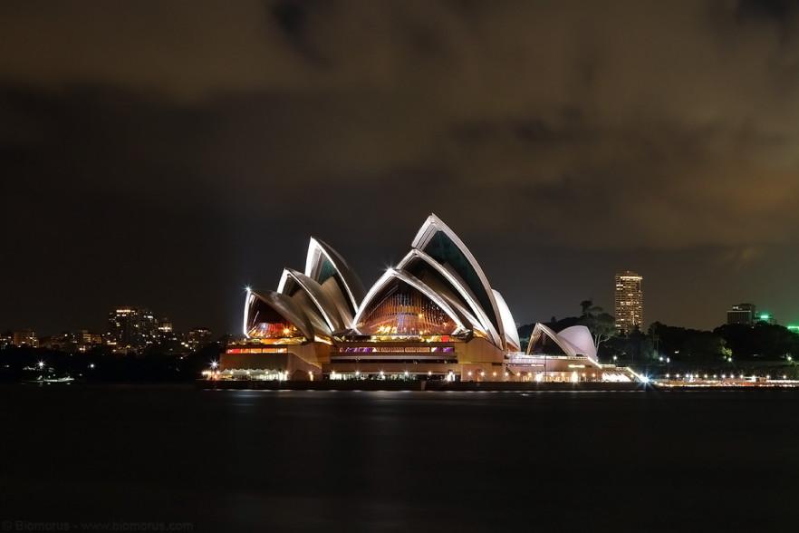 Foto 31 - L'Opera House in notturna vista da Kirribilli (Sydney, NSW, Australia) – (Dati di scatto: Canon EOS 7D, Canon 24-105 f/4 L IS USM, 32 sec, f/11, ISO 400, treppiede)
