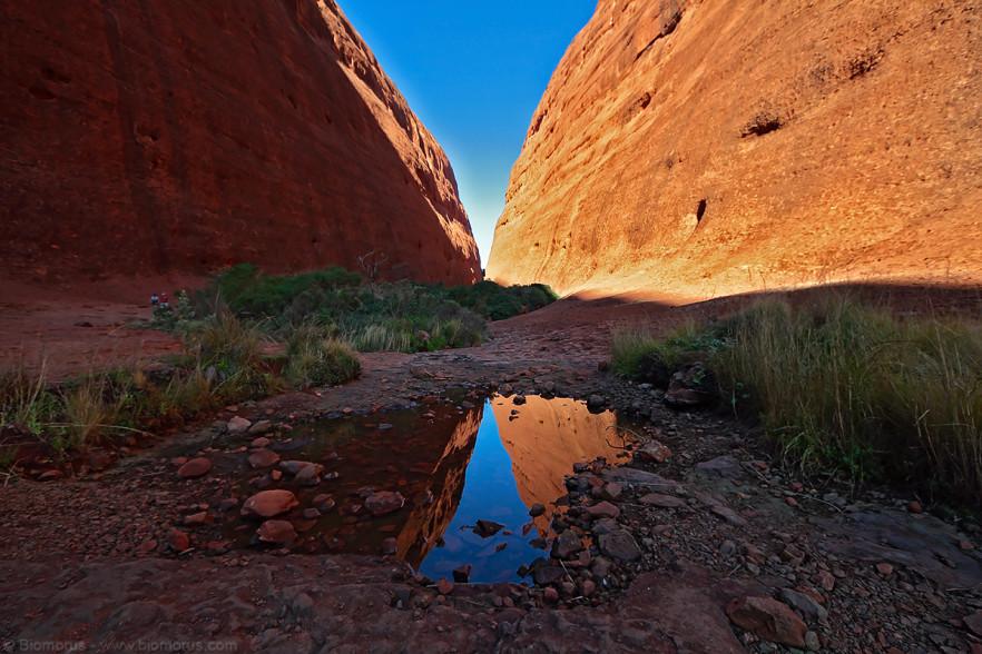 Foto 34 - Escursione fra le Olgas (Kata Tjuta) (Petermann, Uluru-Kata Tjuta National Park, NT, Australia) - (Dati di scatto: Canon EOS 7D, Sigma 8-16 f/4.5/5.6 DC HSM, 1/50 sec, f/8, ISO 100, treppiede)