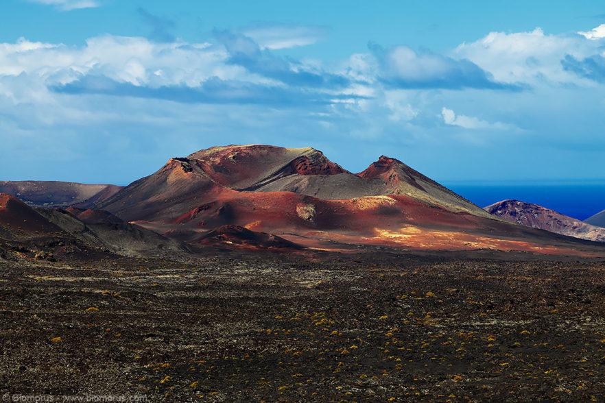 Vulcano (Parco nazionale di Timanfaya, Lanzarote, Isole Canarie, Spagna) – (Dati di scatto: Canon EOS 6D, Canon 24-105 f/4 L IS USM, 1/200 sec, f/8.0, ISO 100, mano libera).